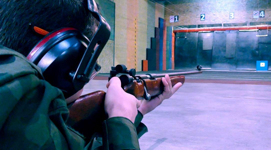 Szkolenie strzeleckie dla klas pierwszych mundurowych