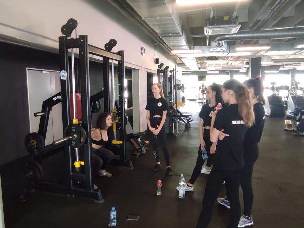 Warsztaty szkoleniowe dla klas trenera personalnego w Fitness Klubie